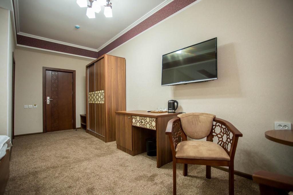 Room 1908 image 16644