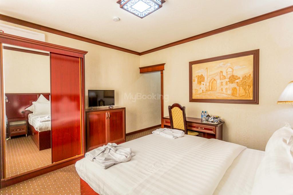 Room 2033 image 28227