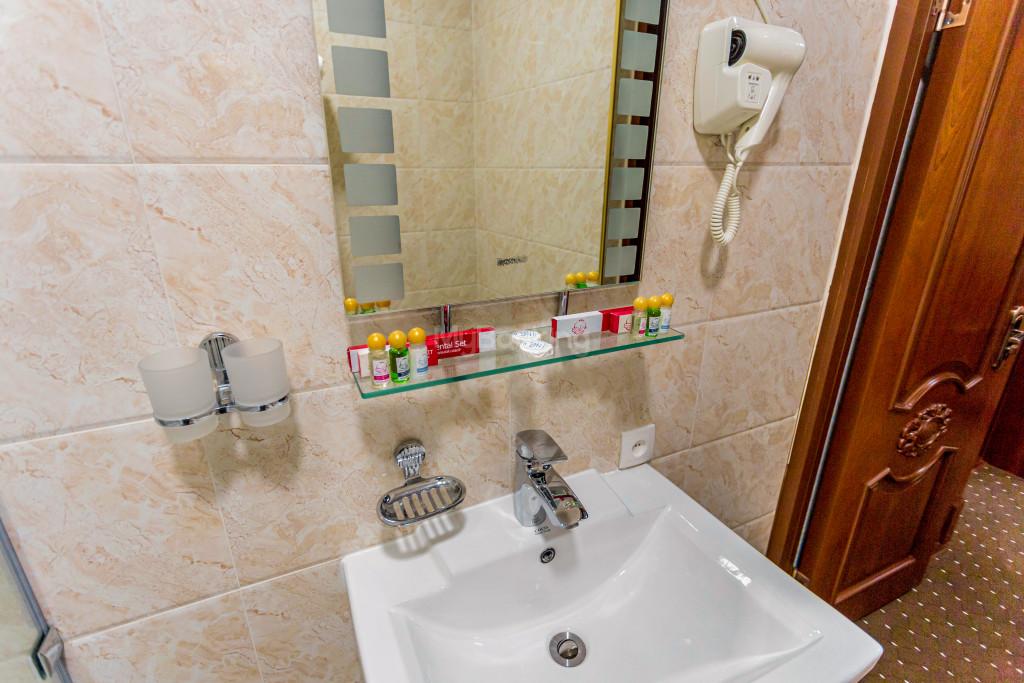 Room 2033 image 28248