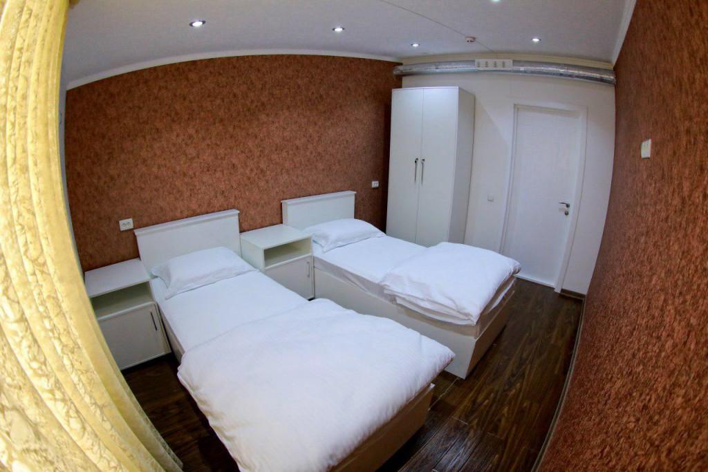 Room 2182 image 18856