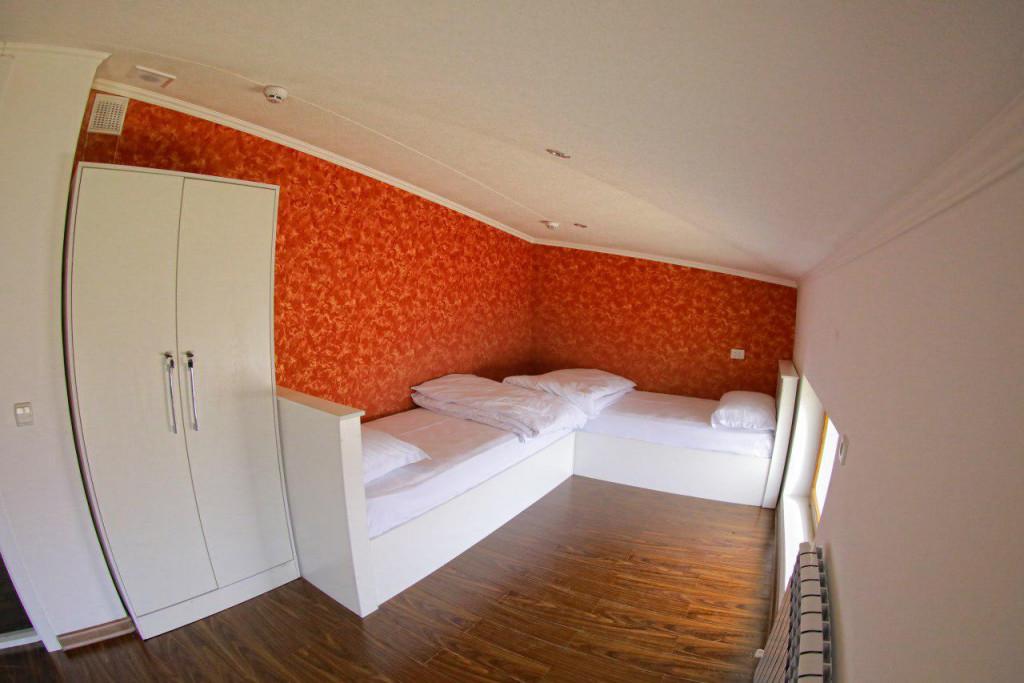 Room 2185 image 18857