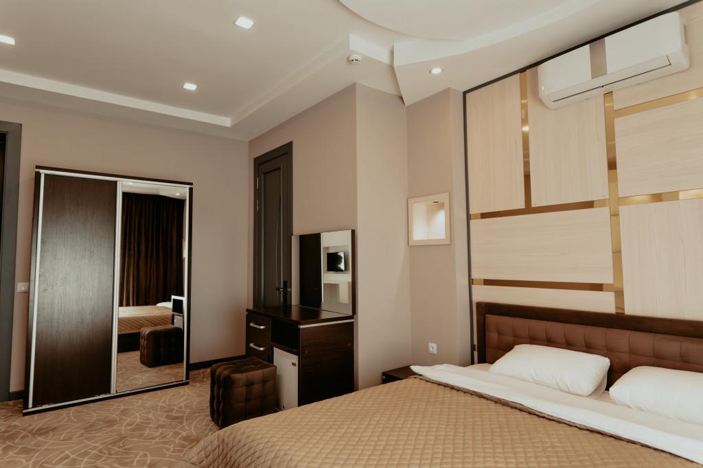 Room 547 image 34135