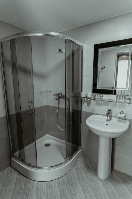 Room 548 image 34142