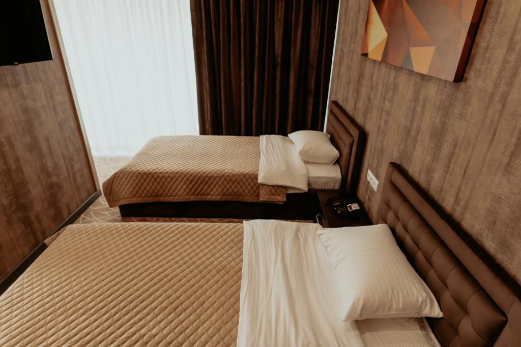 Room 548 image 34145