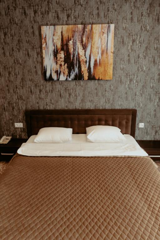 Room 3613 image 34156