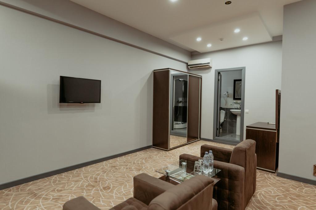 Room 549 image 34228