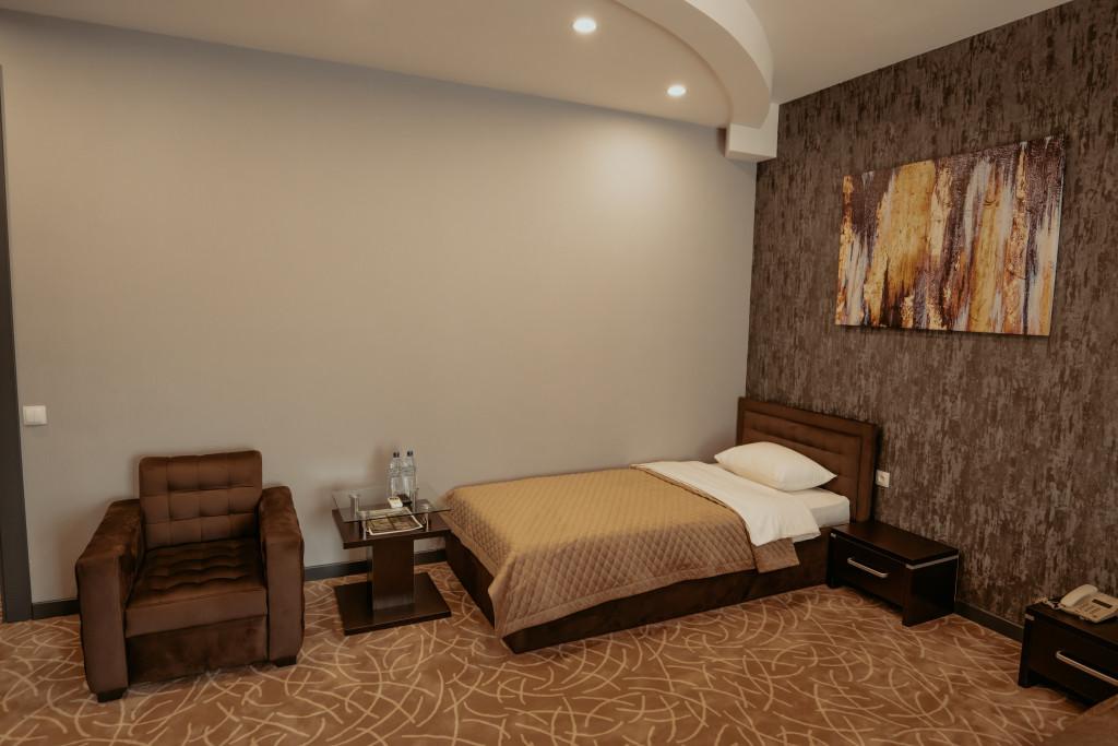 Room 3613 image 34229