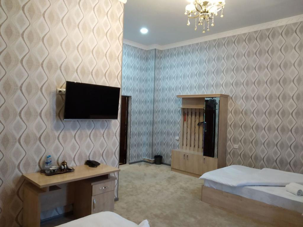 Room 2404 image 20143