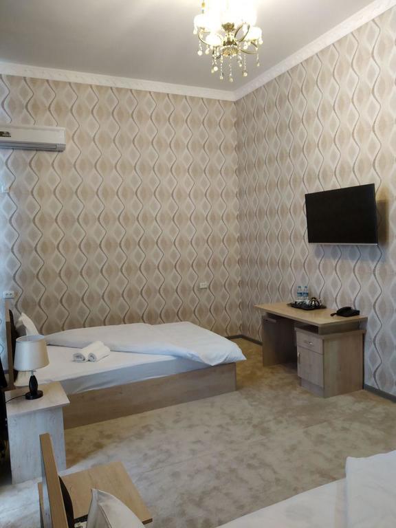 Room 2403 image 20144