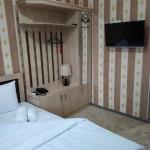Room 2403 image 20171 thumb