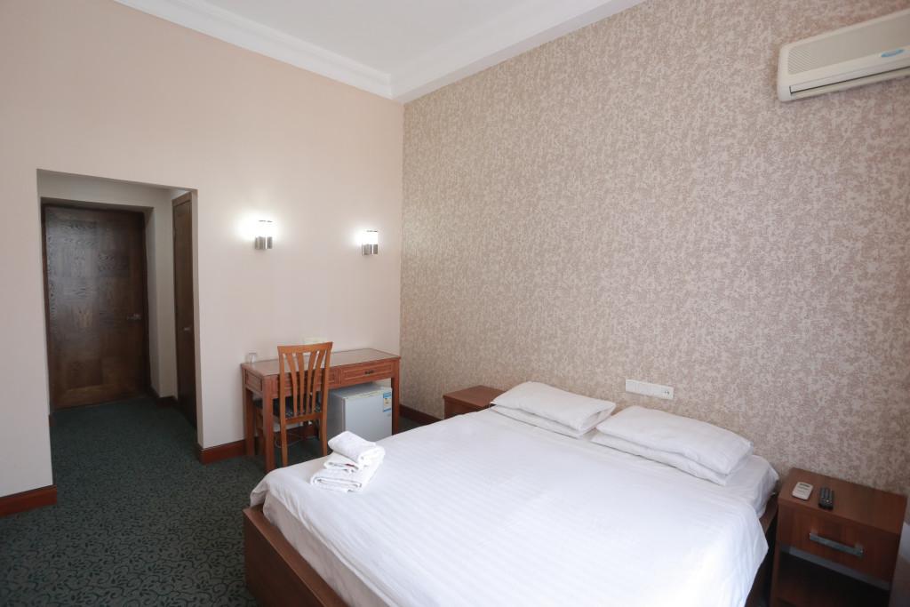 Room 2432 image 21221