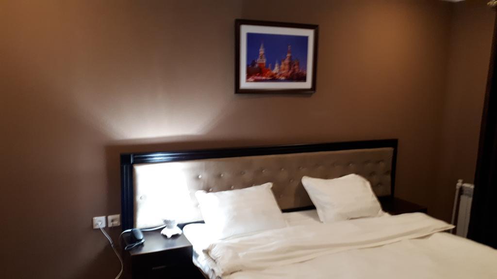 Room 2525 image 21171