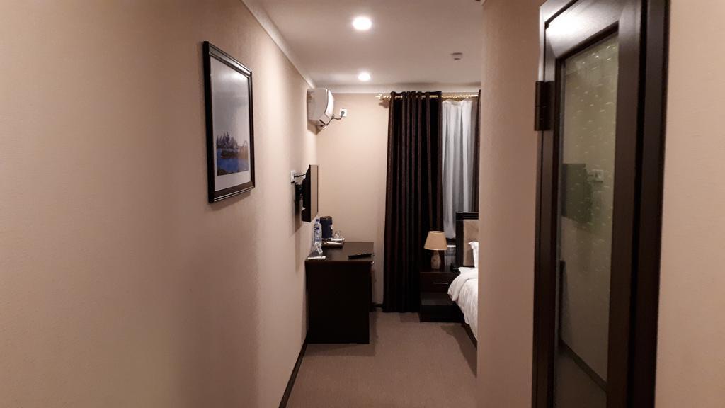 Room 2523 image 21178