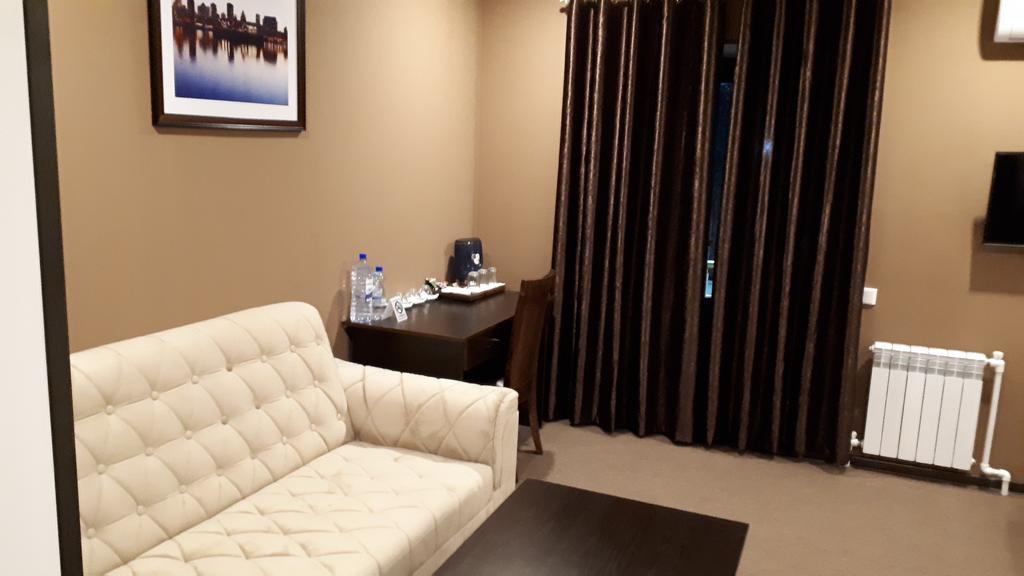 Room 2524 image 21180
