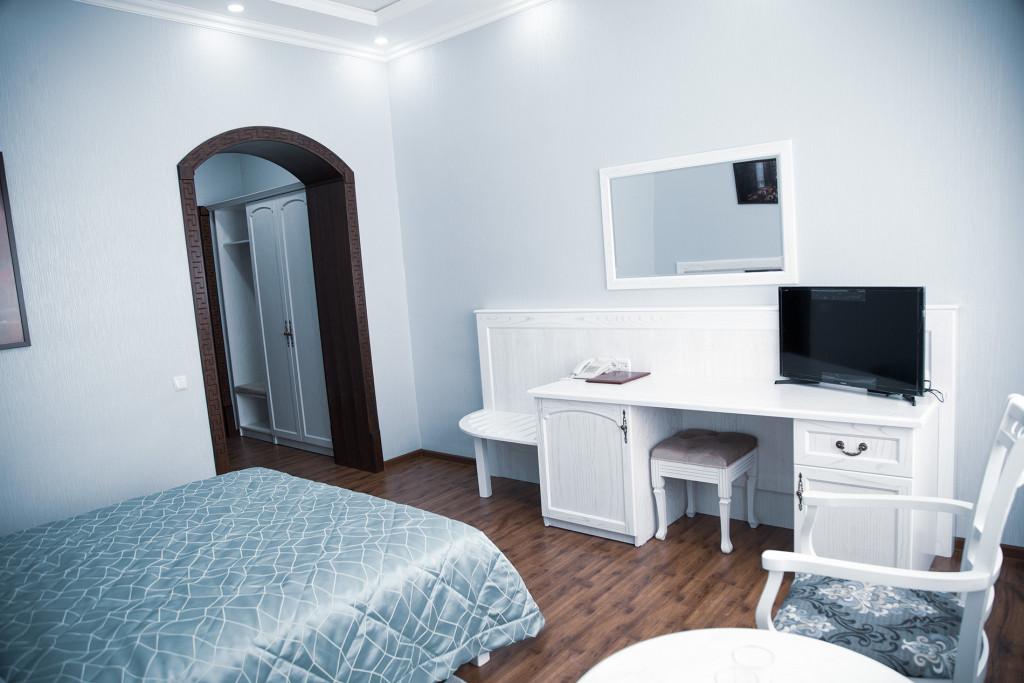 Room 2534 image 21088