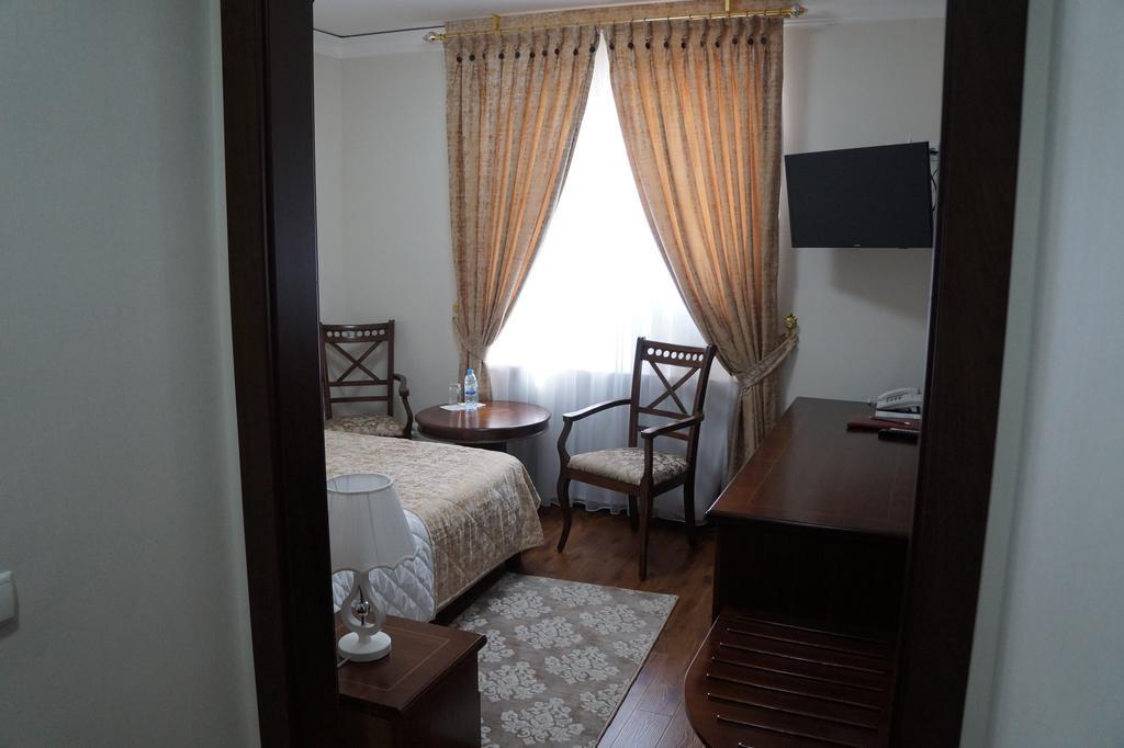 Room 2534 image 31880