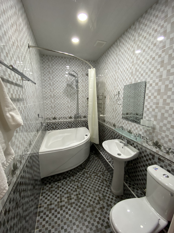 Room 2642 image 30176