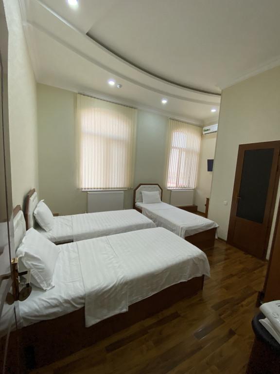 Room 2642 image 30177