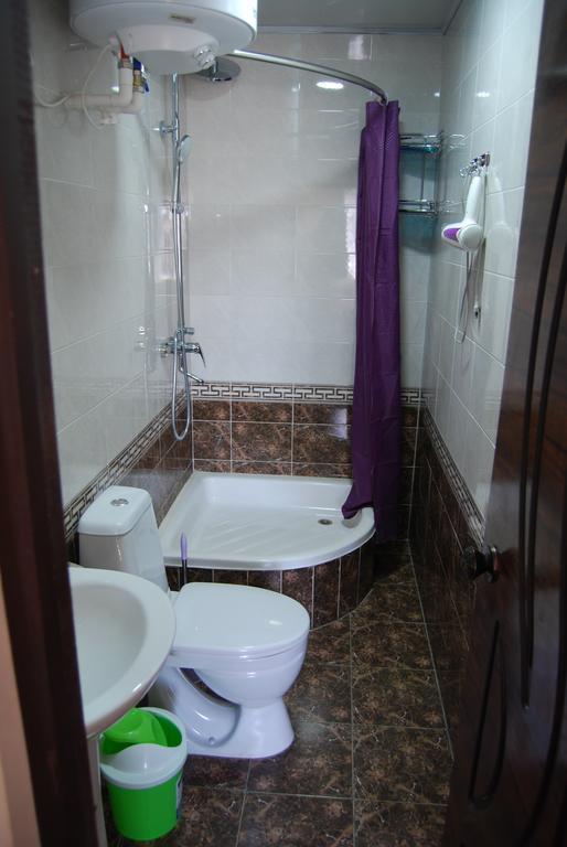 Room 2714 image 23950