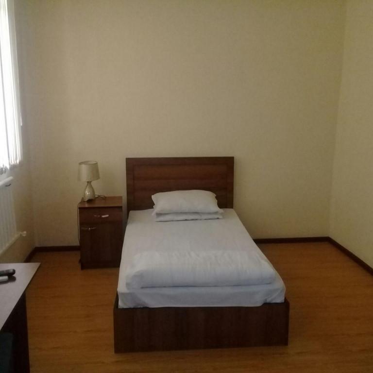Room 2225 image 18819