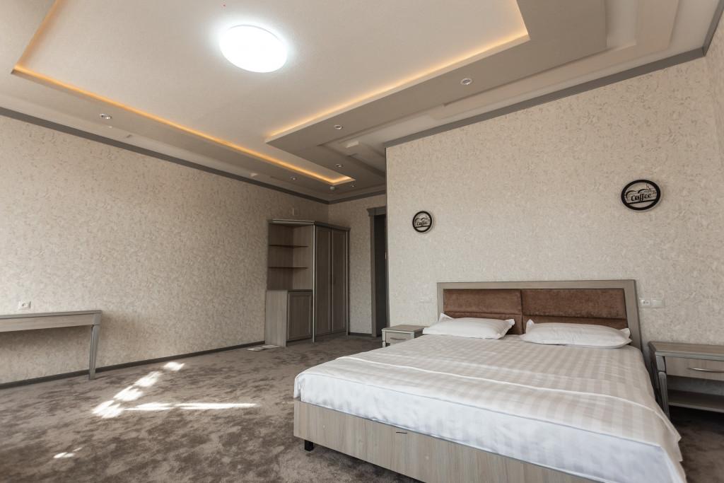 Room 2824 image 23695