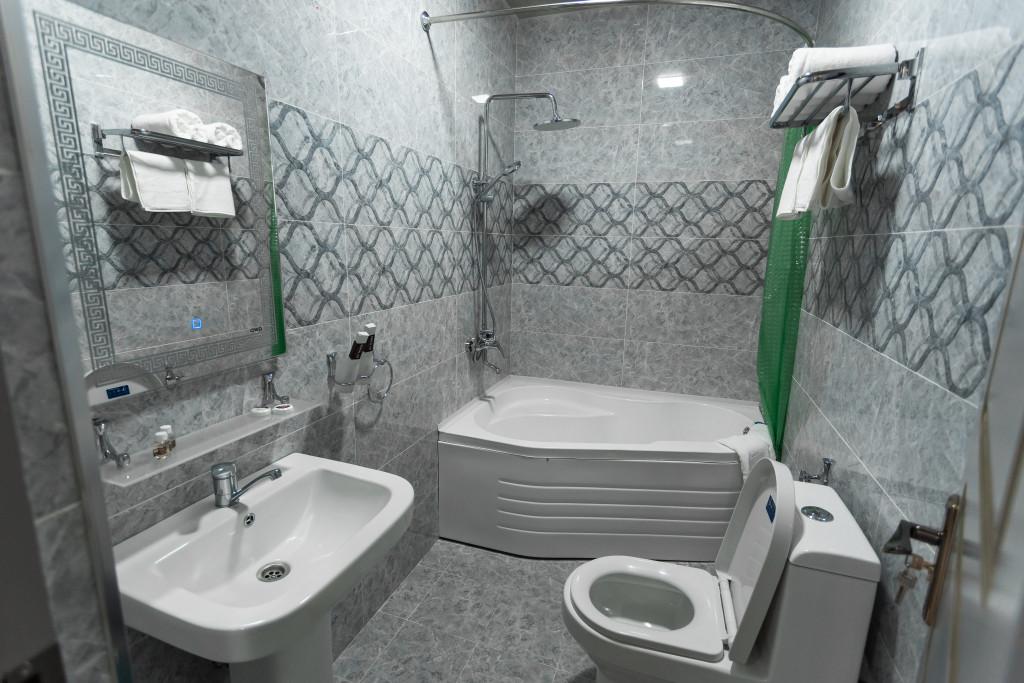 Room 2821 image 23702