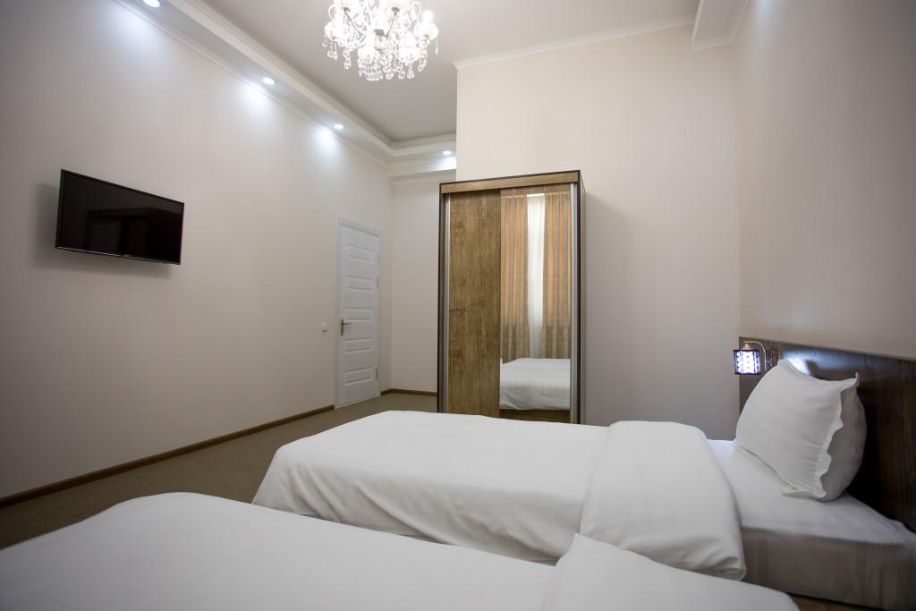 Room 3366 image 30556