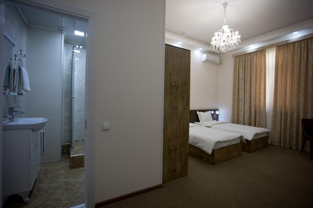Room 3366 image 30562