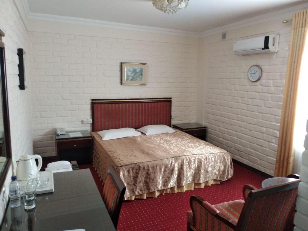 Room 3381 image 30679