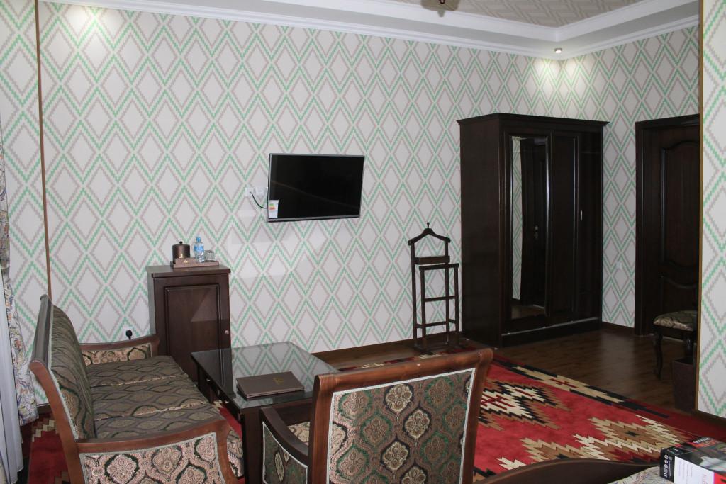 Room 3402 image 30956