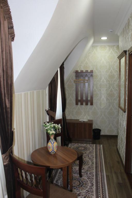 Room 3483 image 32305