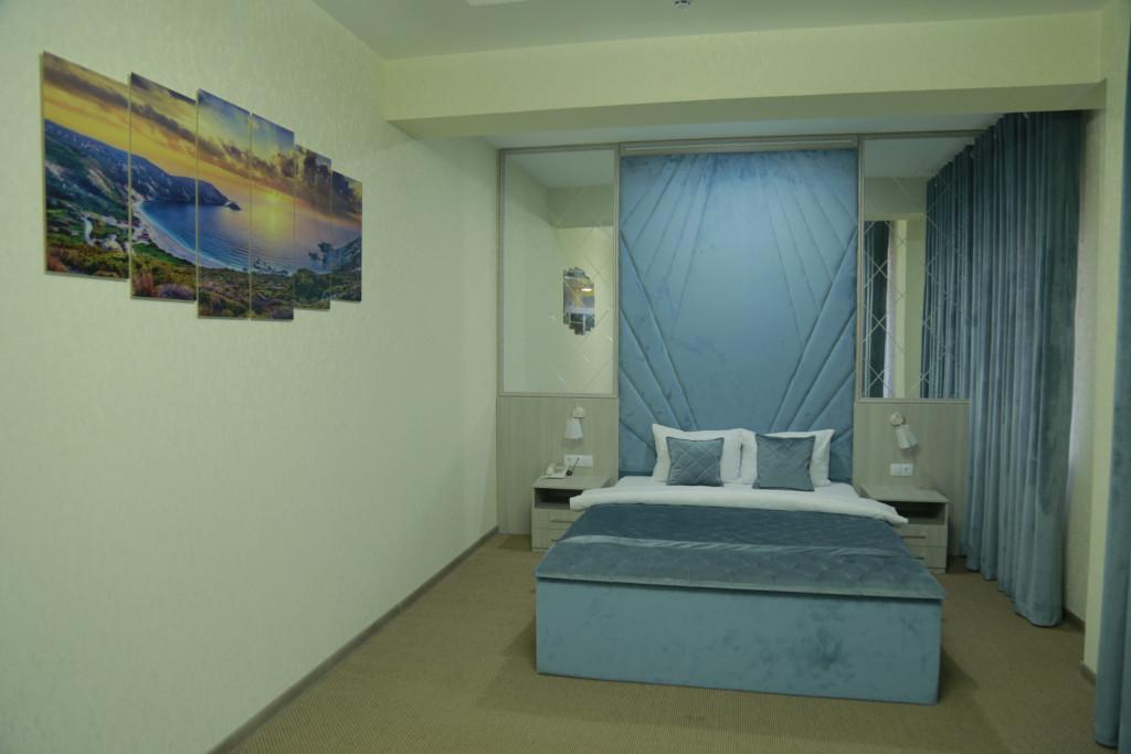 Room 3939 image 37688