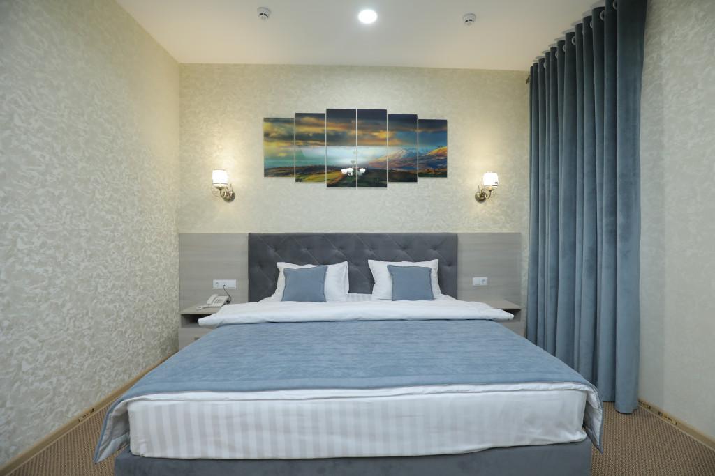 Room 3937 image 37704