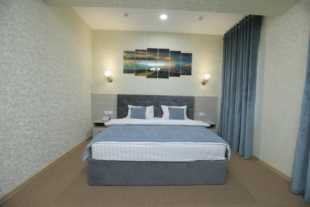 Room 3937 image 37705