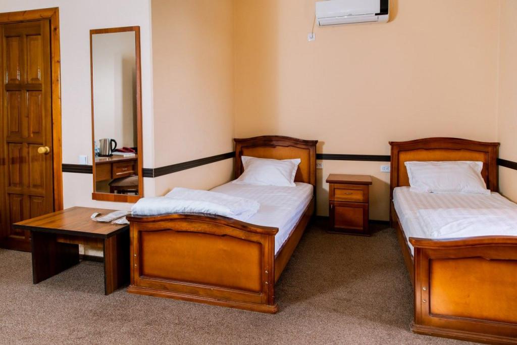 Room 3953 image 37913