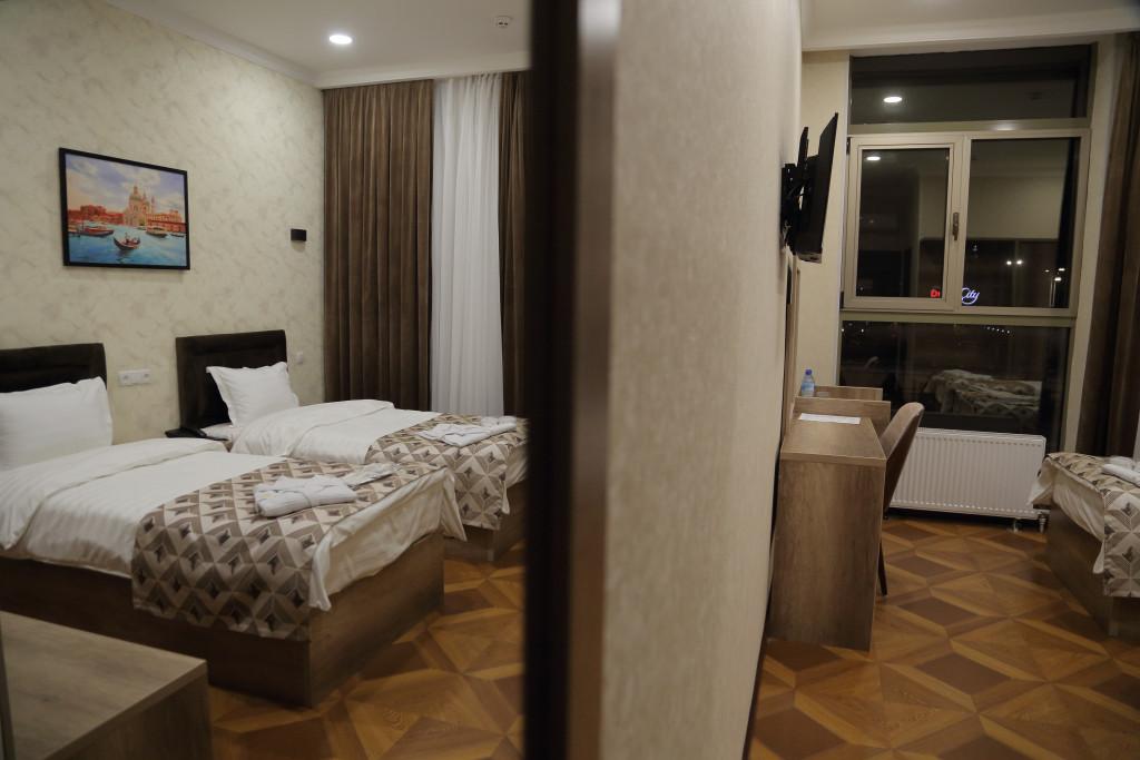 Room 4050 image 38014