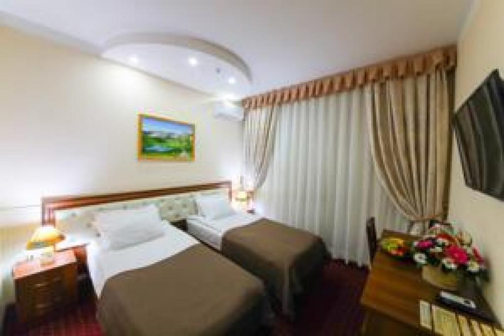 Room 3990 image 38305
