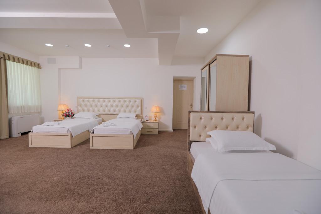 Room 4053 image 38896