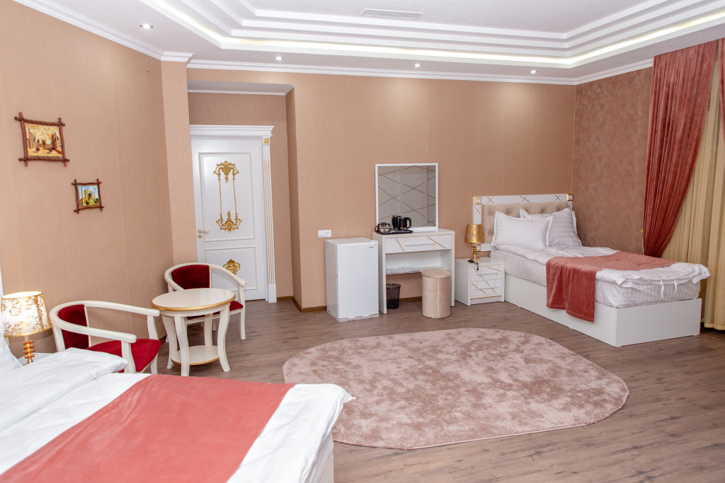 Room 4225 image 40737