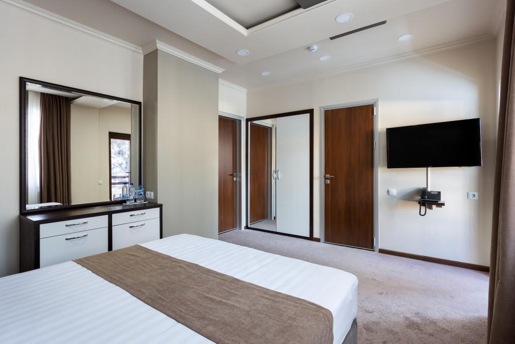 Room 4300 image 41437