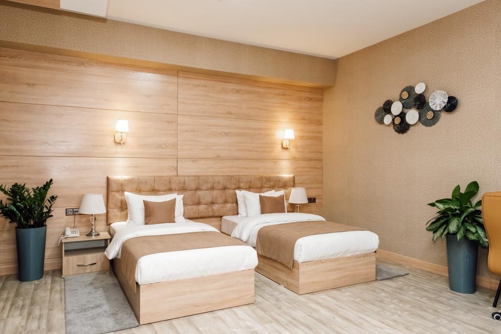 Room 4475 image 43633