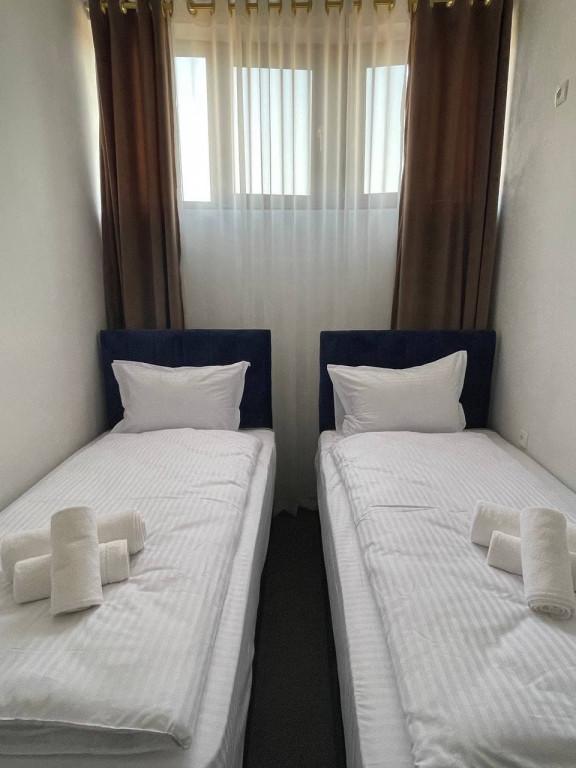Room 4482 image 43675